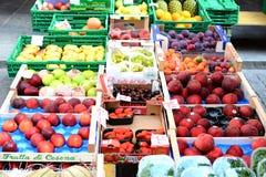 Mercado Bellinzona de los granjeros Fotos de archivo