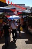 Mercado callejero en la calle de Chinatown Petaling imagenes de archivo