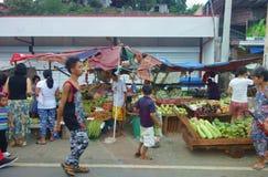 Mercado callejero en Manila Fotos de archivo