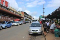 Mercado callejero en Manzini céntrico, Swazilandia, África meridional, escena africana del viaje fotos de archivo libres de regalías