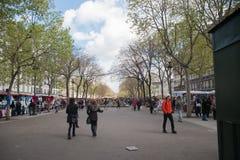 Mercado callejero en París Fotos de archivo libres de regalías