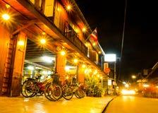Mercado callejero que camina de la noche, Chiang Khan Imagenes de archivo