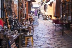 Mercado callejero típico en Sarajevo imagenes de archivo