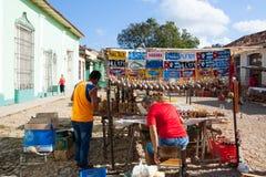 Mercado callejero típico en Trinidad, Cuba Fotos de archivo libres de regalías