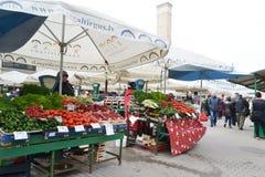 Mercado central de Riga imagens de stock