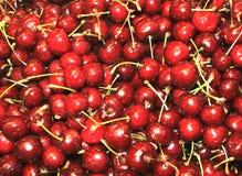 Mercado - cerezas Fotografía de archivo libre de regalías