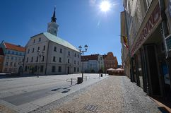 Mercado com a câmara municipal em Gliwice, Polônia imagem de stock royalty free
