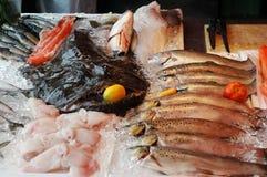 Mercado con los mariscos Foto de archivo libre de regalías