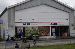 MERCADO DA CORRENTE DO MANTIMENTO E DO ALIMENTO STORE_GERMAN DE ALDI Imagens de Stock