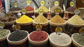 Mercado da especiaria em Turquia foto de stock