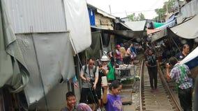 Mercado da estrada de ferro de Mae Klong filme