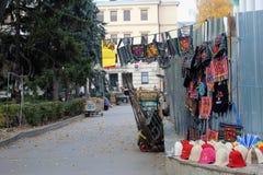 Mercado da lembrança da rua, Moldova, Chisinau fotografia de stock