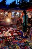 Mercado da noite em Luang Prabang Imagens de Stock