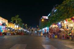 Mercado de Ben Thanh de la noche, Saigon, Vietnam (exposición larga) Foto de archivo libre de regalías