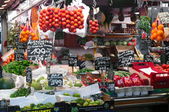Mercado de Boqueria del La en Barcelona - España Imagenes de archivo
