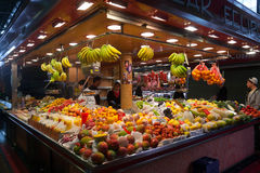 Mercado de Boqueria del La en Barcelona - España Imagen de archivo