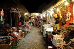 Mercado de calle de la noche Fotos de archivo
