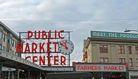 Mercado de calle de Pke de Seattle Imágenes de archivo libres de regalías