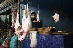 mercado de carne, Cachemira, venta, los musulmanes, harina de sangre Imágenes de archivo libres de regalías