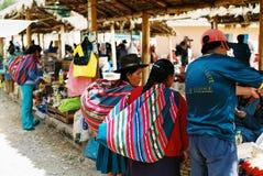 Mercado de Chinchero domingo, Perú Fotos de archivo libres de regalías