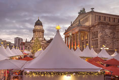 Mercado de Chtristmas en Gandarmenmarkt en Berlín Imagen de archivo libre de regalías