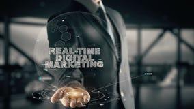 Mercado de Digitas do tempo real com conceito do homem de negócios do holograma Fotos de Stock Royalty Free