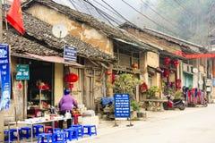 Mercado de Dong Van los pueblos de Hmong situados en Dong Van District, Dong Van Foto de archivo libre de regalías