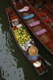 Mercado de flutuação Fotos de Stock Royalty Free