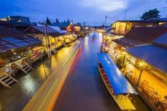 Mercado de flutuação Fotografia de Stock Royalty Free
