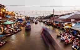 Mercado de flutuação de Amphawa da noite Fotografia de Stock
