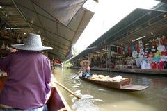 Mercado de flutuação de Damnoen Saduak Fotos de Stock Royalty Free