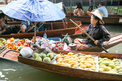 Mercado de flutuação de Damnoen Saduak Imagem de Stock