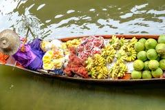 Mercado de flutuação de Damnoen Saduak Imagens de Stock Royalty Free