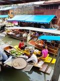 Mercado de flutuação de Damnoen Saduak, Tailândia Fotos de Stock