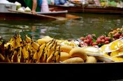Mercado de flutuação de Tailândia Fotografia de Stock