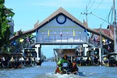 Mercado de flutuação de Tailândia foto de stock