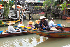 Mercado de flutuação de Tailândia imagem de stock royalty free