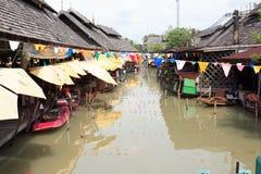 Mercado de flutuação de Tailândia imagens de stock royalty free
