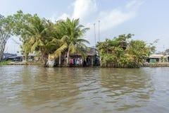Mercado de flutuação em estradas transversaas das sete-maneiras (baía de Nga), Hau Giang de Phung Hiep Fotos de Stock