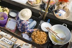 Mercado de flutuação tailandês imagens de stock