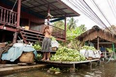 Mercado de flutuação tradicional perto de Banguecoque Tailândia Imagem de Stock Royalty Free