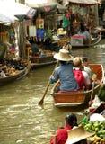 Mercado de flutuação Foto de Stock Royalty Free