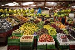 Mercado de frutas e legumes, Paloquemao, Bogotá Colômbia fotografia de stock royalty free