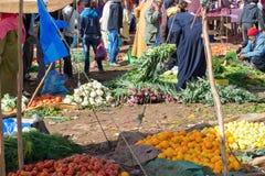 Mercado de frutas y verduras en Marruecos Imágenes de archivo libres de regalías
