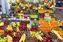 Mercado de fruto em Tunes, Tunísia foto de stock