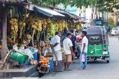 Mercado de fruto Suportes de fruto fresco Galle, Sri Lanka Imagens de Stock