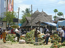 Mercado de fruto, vários frutos em grandes números Foto de Stock Royalty Free