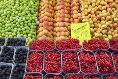 Mercado de frutos Imagens de Stock