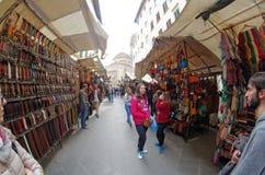 Mercado de Gran Mercato perto de San Lorenzo em Firenze Florença, Itália Imagens de Stock