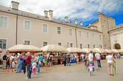 Mercado de Kapitelplatz en Salzburg, Austria. Fotos de archivo libres de regalías